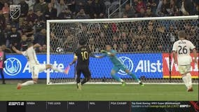 Vela scores 13th goal in 13th game, LAFC beats FC Dallas 2-0