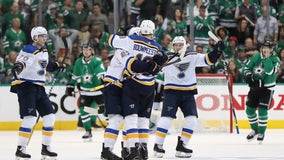 Blues prevail in wild 3rd to beat Stars 4-3 for 2-1 lead
