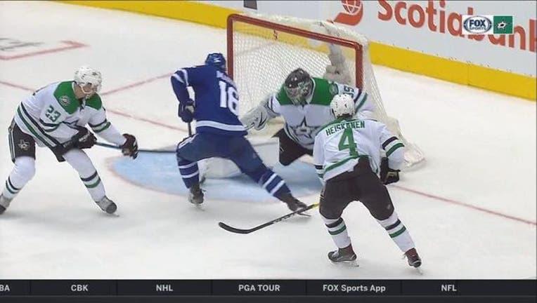 0d923b88-Stars v Maple Leafs_1541135275216.jpg