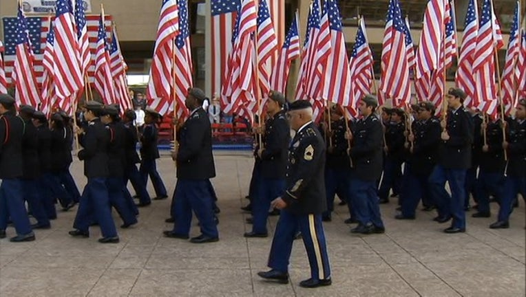 14c0c275-555_DALLAS VETERANS DAY this is from 2016_KDFWd9bb_186.mp4_00.00.00.10_1542031043453.png.jpg