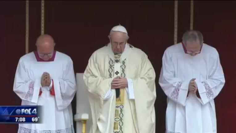 24d17cdc-pope Easter_1492351157001.jpg