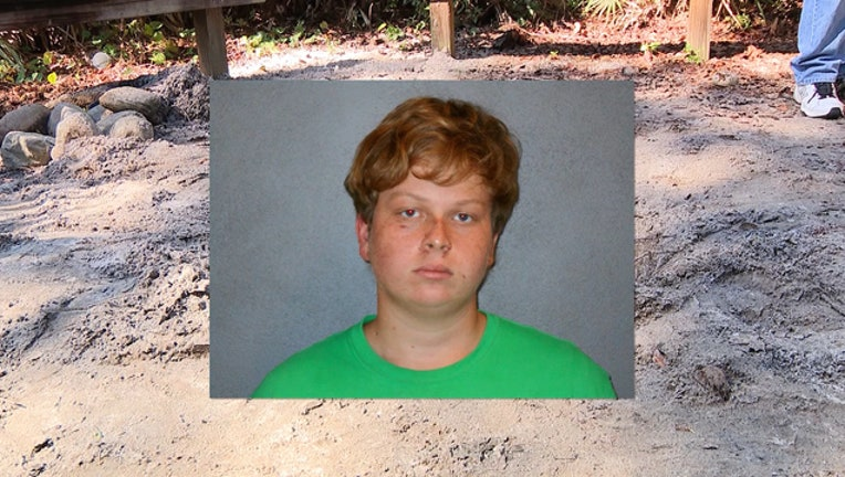 4789d779-Gregory Ramos is accused of murdering his mother-404023.