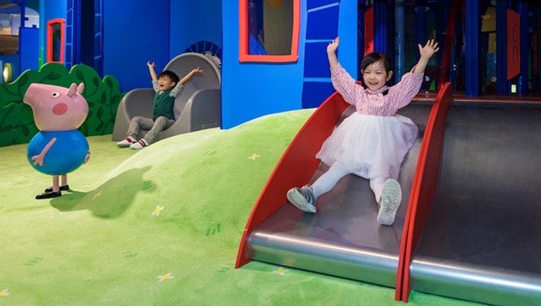 484d3fd8-Peppa Pig World of Play_1547072281391.jpg