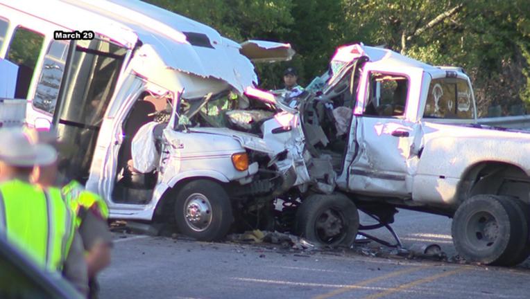 501d16e4-Texas bus crash