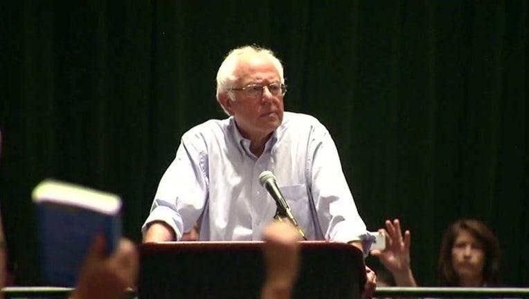 5a1dcd0c-Bernie Addresses Delegates 94-401096.jpg