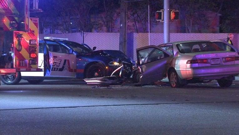 695fc576-5H-ARLINGTON POLICE OFFICER CRASH_00.00.00.21_1519995376711.png.jpg