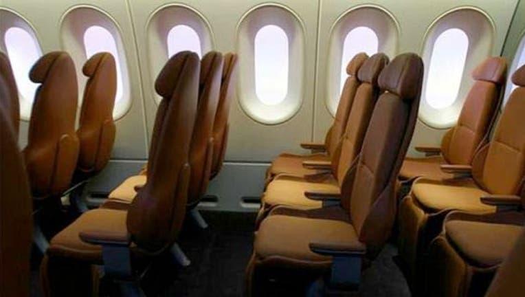 6ed55829-airplane-seats-404023