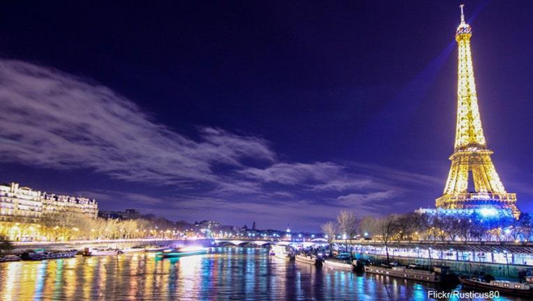 798bc935-Eiffel Tower-404023