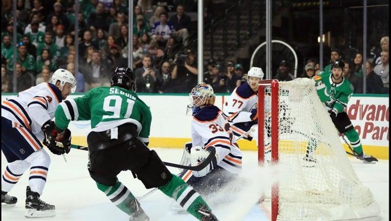 87cc50bf-Stars beat Oilers_98941683_1515280050088