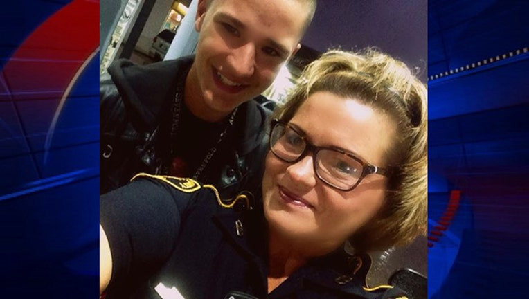 a4986f1d-Deputy selfie stand guard