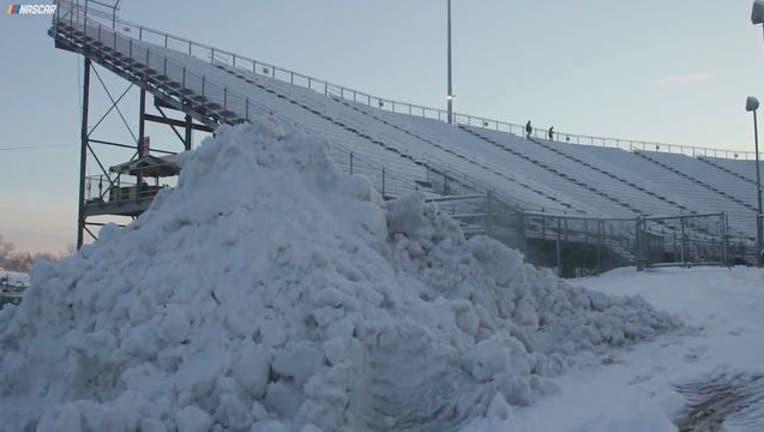 NASCAR Martinsville snow_1522011189410.jpg