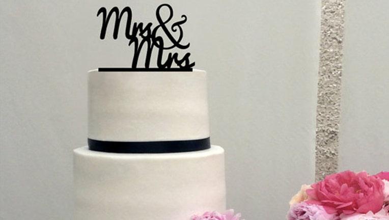 gay wedding cake lesbian couple