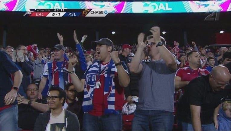 b18c431f-FC Dallas fans vs RSL_1520134370366.jpg