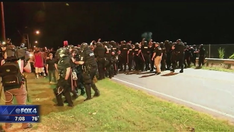 Protests_break_out_in_Charlotte__officer_0_20160921122337
