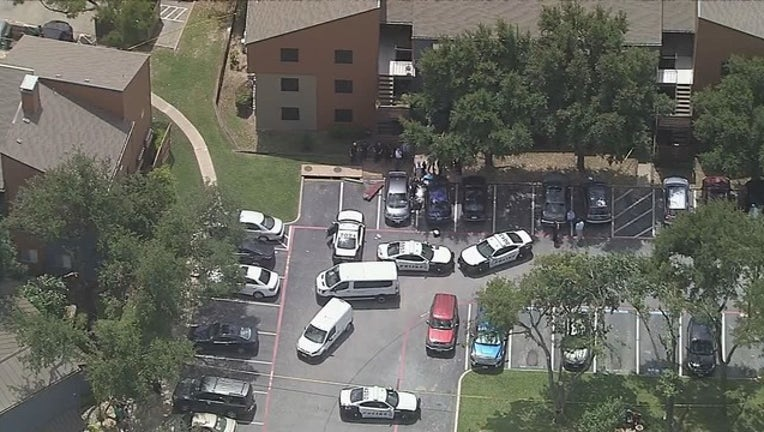 c82f33b4-Sky 4 Dallas Murder Suicide 1140 KDFWBCME02_mpg_11.56.14.25_1561656251624.png.jpg