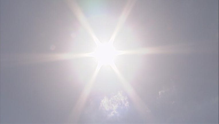 cc2e8d2d-Hot weather sun