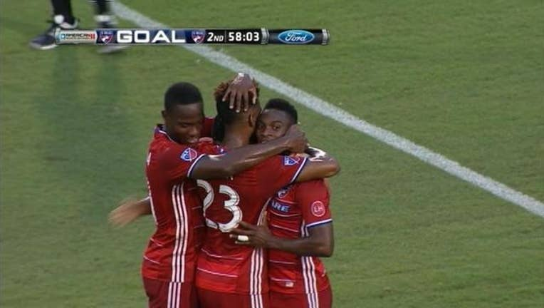 FC Dallas Hugs_1466908489912.jpg