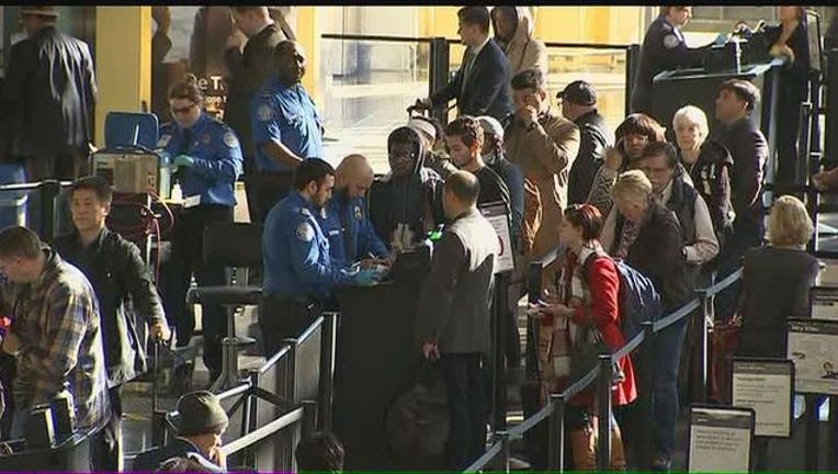 TSA_Airport_Checkpoint-401720.jpg