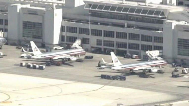 ed7af2fc-airport_american_airlines_clean-65880.jpg