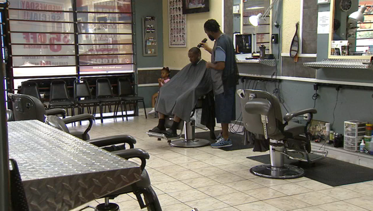 f4d6d217-READING WITH BARBERS