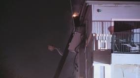 Utility pole sparks 4-alarm apartment fire in northwest Dallas