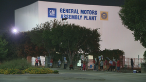 General Motors workers in Arlington join nationwide strike