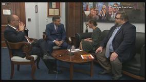 U.S. Sen. Ted Cruz, actress Alyssa Milano meet to debate gun laws