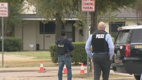 Police clear Austin Middle School following reports of an armed man