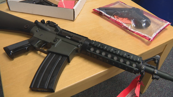 Arlington police chief calls for stricter laws for replica guns