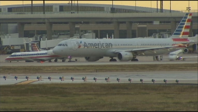 4d6857f7-DFW Airport, American Airlines