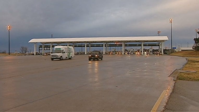 dcea9cd1-V_DFW AIRPORT PARKING SALE 4A_KDFWdedb_711_mxf_00.00.00.11_1564591691224.png.jpg