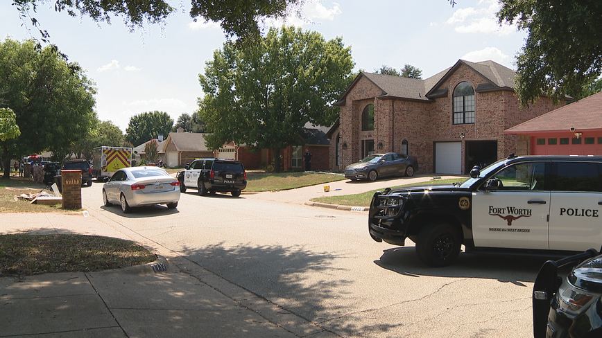Police: 4-year-old fatally shot by sibling in Fort Worth