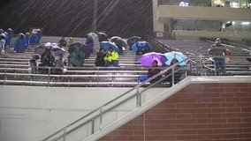 Lightning causes delays during Thursday's DeSoto game against Mansfield