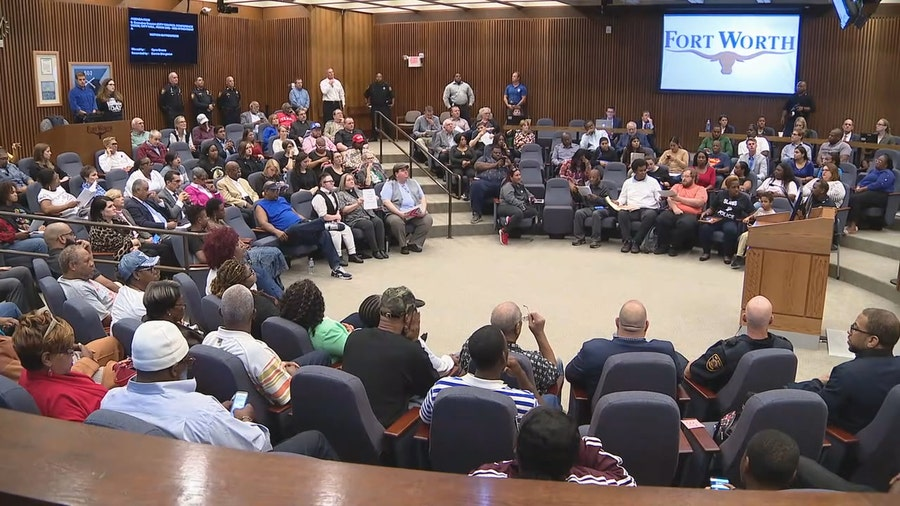 Fort Worth City Council moves forward with plan to hire police review panel