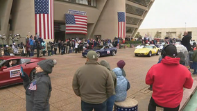 North Texans bundle up to celebrate Veterans Day with large parades