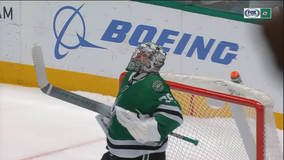 Stars edge Blackhawks 2-1 in shootout for 6th straight win