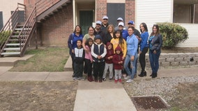 Dallas police sergeant leads realty company to donate Thanksgiving meals