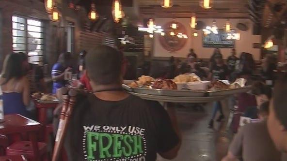 Residents file lawsuit against Turkey Leg Hut, call eatery a 'public health risk'