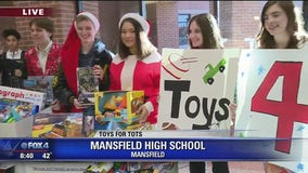 Mansfield students collect Toys for Tots