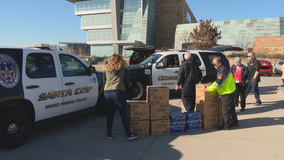 North Texas groups help feed police, first responders who are working on Christmas