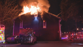 Witness helps warn residents about overnight apartment fire