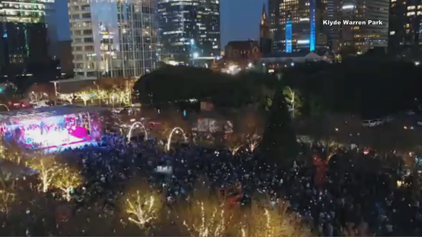 Klyde Warren Park to light up Christmas tree during free Saturday event