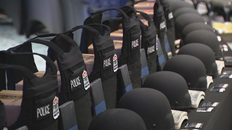 Non-profit donates armored vests to Grand Prairie PD