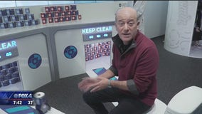 Tech expert Steve Greenberg shows off new gadgets at CES