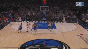 Doncic's big 3rd quarter leads Mavericks over Bulls 118-110