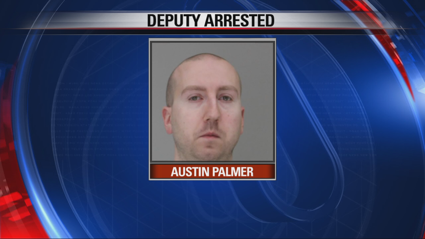 Dallas County deputy arrested for allegedly assaulting a prisoner