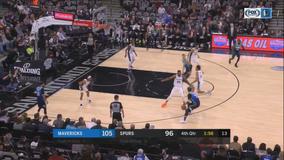 Doncic, Porzingis power Mavericks by slumping Spurs, 109-103