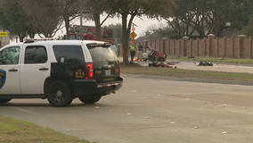 Three teens dead in single-vehicle car wreck in Plano
