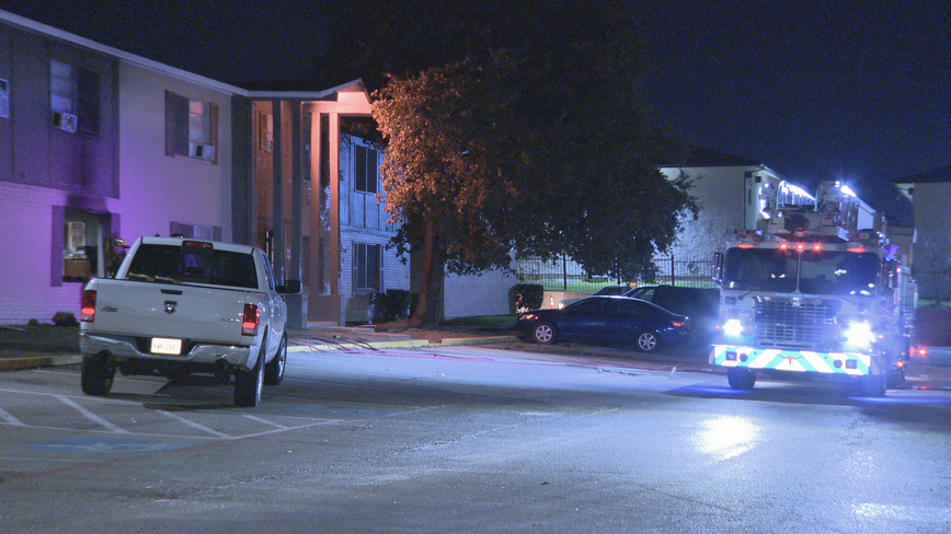 Police: Man set fire in Fort Worth apartment before being taken into custody