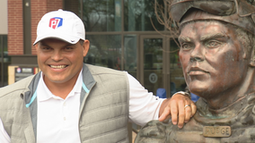 Statue of Pudge Rodriguez unveiled outside new Globe Life Field